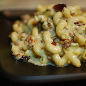 Bacon Blue Cheese Burger Mac and Cheese